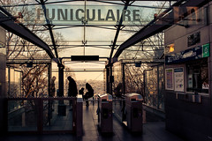 Funiculaire (Thierry Hudsyn) Tags: street sunset paris reflections silhouettes montmartre reflets funiculaire  canon5dmarkii 40mmeff28