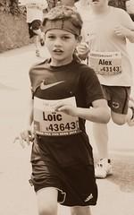 Loïc (Cavabienmerci) Tags: boy boys kids youth race children de schweiz switzerland kid à child suisse von grand run course prix runners bern enfants pied runner enfant berne junge laufen jungen läufer lauf coureur coureurs