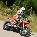 Loic Leroy attaque fort avec sa KTM 390 thumbnail