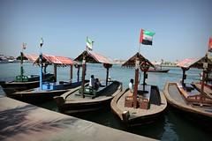 Dubai (Iam Marjon Bleeker) Tags: verenigdearabischeemiraten dubai boat flag 2017 dag2md0c3309g watertaxi
