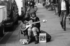 Londres bn_0001 (Joanbrebo) Tags: portobello london streetscenes street carrers calles gent gente people canoneos70d efs18135mmf3556is eosd autofocus blancoynegro blackwhite urbanarte lunaphoto