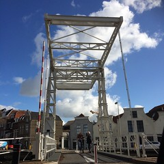 #project365 #day55 (gabrielgs) Tags: streetscene thenetherlands sky gouda bridge street dutch day55 project365