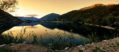 Lago di Scanno - 10/10/14 (tito_i) Tags: 2014 nikon d5100 samyang walimex 14mm lake sunset abruzzo natura nature warm orange explore exploration villalago scanno lagoscanno mountain