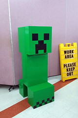 Minecraft Creeper (Legopold) Tags: lego minecraft neolug lifesized