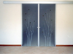 Evoluzione posa 7 (Henry glass | Porte in vetro) Tags: door glass decoration porta mirrored melted vetro slidingdoors sandblasted battente fusione swingdoor decoro scomparsa specchiato henryglass interiordoors sabbiatura scorrevoli porteinterni disappearingdoor