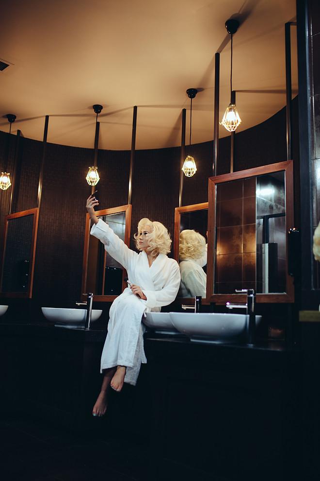 Blonde_032
