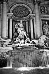 Trevi (Zepsis) Tags: city blackandwhite bw italy rome mono ancient capital kitlens 1855mm monuments touristattractions nocolor nocolour canoneos450d rebelxsi