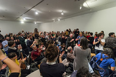 Inauguracin Los Torreznos (CA2M) Tags: madrid night teatro los gallery audience contemporaryart crowd culture artists opening museo visitors performers mstoles cultura clapping andrs comunidaddemadrid arranz artecontemporneo torreznos ca2m centrodeartedosdemayo performance