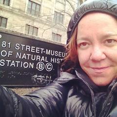 Desistimos, de to cheio. Voltamos amanh! (o que os olhos vem) Tags: nyc usa newyork square frias squareformat rise zel 2014 eus novaiorque iphoneography instagramapp uploaded:by=instagram foursquare:venue=4297b480f964a52062241fe3 nycandgc