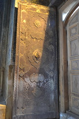 Entrance Door (Alan Cordova) Tags: iran esfahan isfahan 2014 ispahan esfahaniran isfahanprovince اصفهان isfahaniran sepahan esfahān isfahān esfahanprovince hispahan march2014 march122014 iran2014 esfahāniran isfahāniran