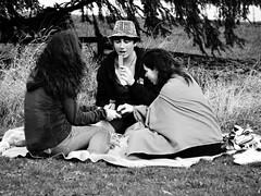 Picnic (Kojotisko) Tags: girls picnic brno cc creativecommons czechrepublic streetphoto fujifilmfinepix fujifilmfinepixsl1000 fujifilmfinepixsl1000kojotisko