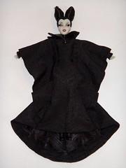 Designer Maleficent in DFC Maleficent's Outfit - Lying Down - Full Front View (drj1828) Tags: us outfit robe dressing staff gown disneystore 12inch maleficent 1112inch disneyvillainsdesignercollection disneyfilmcollection disneymaleficent swappingoutfits