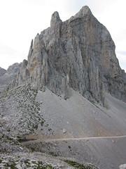 Picos de Europa, Asturias (Pablo FJ.) Tags: alpino calizas montaña altamontaña geomorfología geomo picosdeeuropa