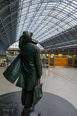 Don't loose your Hat (AnthonyRailwayPhotography) Tags: st pancras