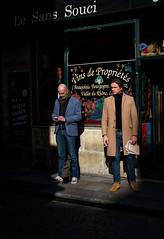 Le Sans Souci pour oublier... (Paolo Pizzimenti) Tags: couple femme homme regard visage ciel cantine vin bouchon sanssoucis paris paolo olympus zuiko penf 25mm 45mm f1 8 m43 mirrorless film pellicule argentique dosineau