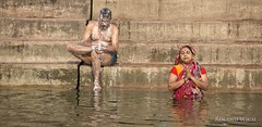 Varanasi (Rolandito.) Tags: india indien inde varanasi benares north northern ganga ganges river bathing bath wash washing