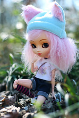 Haze (Naekolyset) Tags: pullip pullips pullipdoll doll dolls portrait junplanning groove toy toys pullippapin pullippapin2006 2006 pinkhair personnes jouet forest woods outdoors bokeh