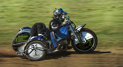 Forstbetrieb mal anders (ellen-ow) Tags: gespanne grasbahnrennen lüdinghausen motorradrennen motorräder motorsport sportarten zweiräder verkehr motorcycle sidecar motorrace nikond4 ellenow mitzieher