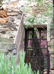 ** Castelnou...ses belles pierres...** - 17 (Impatience_1 (Peu...ou moins prsente)) Tags: stone village pierre greenery verdure impatience castelnou catalogne medievalvillage villagemdival