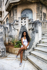 Woman in Vedado. (Robin Thom) Tags: architecture women havana cuba