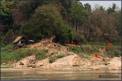 Mekong river_2700 (Dutch Simba) Tags: trip travel river buddhism caves laos mekong luangprabang excursion travelphotography pakou banpakou tamting
