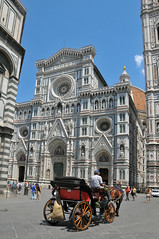Santa Maria del Fiore ..... (Rosanna Leung) Tags: italy church statue square florence cathedral gothic ceiling unescoworldheritagesite dome firenze duomo  santamariadelfiore piazzadelduomo     basilicadisantamariadelfiore   ilduomodifirenze  basilicaofsaintmaryoftheflower