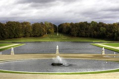 France - Chantilly - V2 (Vol 1) (saigneurdeguerre) Tags: sculpture france statue canon eos europa europe frana ponte frankrijk statua chantilly picardie aponte oise 1000d antonioponte ponteantonio
