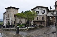 Calle Redin, Pampelune, Navarre, Espagne. (byb64) Tags: houses spain europa europe maisons eu na espana passage casas espagne spanien pamplona navarre spagna ue navarra pampelune nafarroa iruea