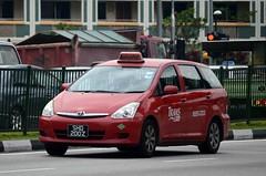 Trans Cab Toyota Wish Taxi (nighteye) Tags: singapore taxi toyota wish transcab