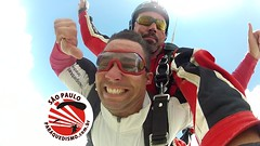 Salto duplo na So Paulo Paraquedismo (So Paulo Paraquedismo) Tags: skydive tandem aff pular freefall boituva paraquedas quedalivre adrenalina saltar paraquedismo saopauloparaquedismo sopauloparaquedismo escolaparaquedismo pularparaquedas