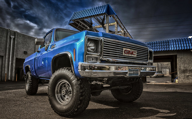 oldschool colorfilters inagoodway gradnd ivegottheblues classicvehicle chevypickuptruck coolwarm darkenlightencenter 1980gmcsierragrande