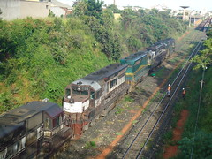 15894 DDM45 #858 + 834 + 817 + 815 (de traz) do trem C757. Uberlndia MG (Johannes J. Smit) Tags: brasil vale trens efvm