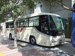 日本交通 (izayuke_tarokaja) Tags: isuzu jbus vleague jtマーヴェラス ガーラ 日本交通 セレガーラ