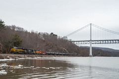 Nickle Plate Heritage (sullivan1985) Tags: bridge ice train ns oil hudsonriver freight bnsf crude csx hudsonvalley rocklandcounty bearmountainbridge nkp westshore nickleplate heritagelocomotive riversub orfolksouthern