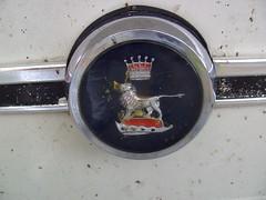 1971 Sunbeam Stiletto, badge (Davydutchy) Tags: holland classic netherlands car logo group may chrome badge sing singer oldtimer imp sunbeam friesland hillman commer 2014 rootes klassiker fryslân veterán koudum goingdutch