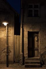 No one at home (Lichtbursche) Tags: architektur fenster haus house lampe lostplace nacht niemandzuhause roadlight tür alt architecture lamp night old oldhouse window loitz mecklenburgvorpommern deutschland de door