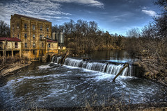 Weisenberger Mill in Midway Kentucky (Klaus Ficker --Landscape and Nature Photographer--) Tags: weisenbergermill midway kentucky usa oldbuilding dam waterfall hdr kentuckyphotography klausficker canon eos5dmarkiv canonef24105mmf4lisusm