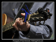 Aaron Nathans (RSB Image Works) Tags: gardenstagecoffeehouse gardencityny robertberkowitz rsbimageworks aaronnathans musicalinstrument larrivée guitar keyser capo