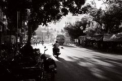 Pondicherry (Play Ouch) Tags: india 35mm canon iso100 tmax a1 inde pondicherry pondichry puducherry