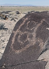Petroglyphs / Grimes Point Site (Ron Wolf (...detests this new design...)) Tags: abstract archaeology circle nevada nativeamerican petroglyph anthropology shoshone rockart blm piute connectedcircles numic grimespoint meanderingline repatination greatbasincurvilinear nvch3