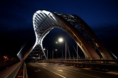 Bridge | Cavalcaferrovia Settimia Spizzichino (Toni Kaarttinen) Tags: city italien bridge italy rome roma modern night dark italia roman steel nighttime rom italie lazio romo garbatella cavalcaferrovia italio settimia spizzichinocavalcaferroviasettimiaspizzichino