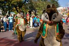 IMG_5499 (onnawufei) Tags: parade disneyworld wdw waltdisneyworld magickingdom chipanddale