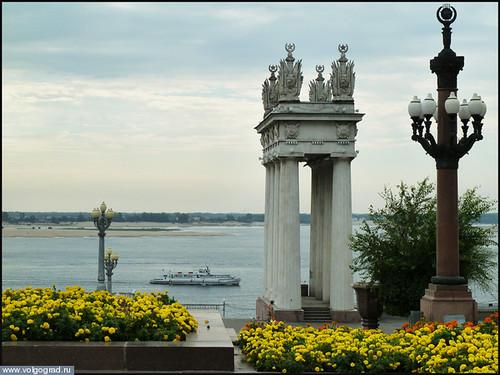 Ротонды и цветы украшают Набережную города /  photo_2012_8_25_7_21_13