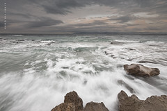 Viento de levante. (Francisco J. Prez.) Tags: naturaleza nature water mar paisaje cielo panoramica cdiz tarifa sigma1020mm campodegibraltar pentaxart pentaxk5 franciscojprez