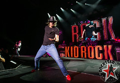 176032254SL025_Kid_Rock_And