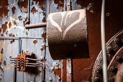 Heart of Rust (ep_jhu) Tags: mill abandoned metal canon graffiti rust industrial dof unitedstates heart pennsylvania steel graf pa 7d carrie corazon decayed rankin braddock urbex abandonado moho dcue
