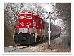 Long Hood (bogray) Tags: train ky locomotive bardstown myoldkentuckydinnertrain dieselelectric pullpull emdgp9 rjcorman longhoodforward