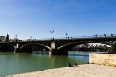 con la P: puente (Marin ;)) Tags: sol ro puente sevilla guadalquivir p triana