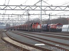 Coal train at Amsterdam Westhavens, March 1, 2014 (cklx) Tags: dbs hgk 6400 class66 coaltrain westhavens kolentrein dbschenker de668 amsterdamwesthavens
