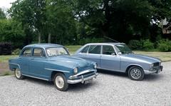 Simca Aronde et Renault 16 TS bleues (gueguette80 ... Définitivement non voyant) Tags: old blue cars juin renault 16 autos bleue simca anciennes aronde 2015 françaises r16